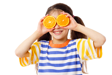 girl-with-fruit-on-eyes